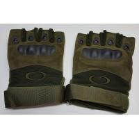 Перчатки из искусственной замши с пластиковыми вставками короткие пальцы оливкового цвета