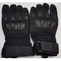 Перчатки из искусственной замши с пластиковыми вставками черного цвета