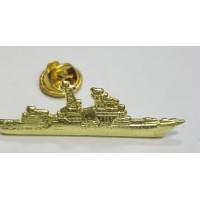 Знак Корабль золотого цвета