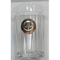 Стакан стеклянный граненный с сувенирным жетоном ВДВ с венком