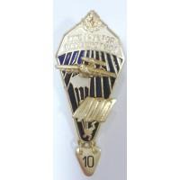 Знак Инструктор - парашютист 400 со звездой золотого цвета