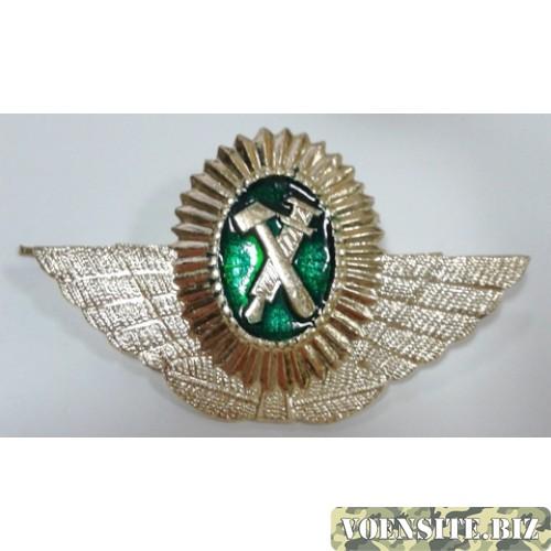 Овал РЖД с крыльями золото металл
