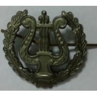 Эмблема петличная музыкальная c венком  защита металл