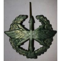 Эмблема петличная Связь с венком защита металл