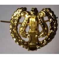 Эмблема петличная музыкальная с венком золото металл