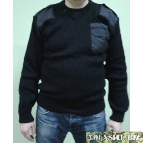 Свитер с накладками черного цвета п/ш